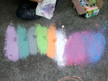 Little mounds of chalk dust give the feathers a personality.