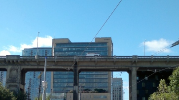 OHSU Bond Ave and Ross Island Bridge