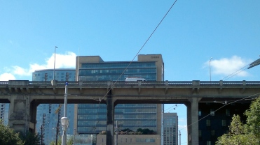 OHSU Bond Ave and Ross Island Bridge